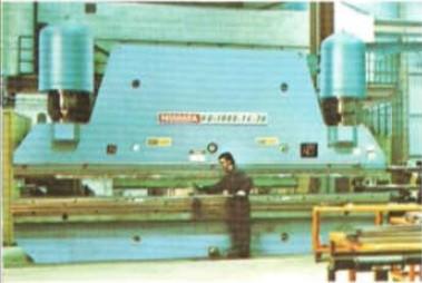 Series HD Hydraulic Press Brakes. Capacities 400-3000 tons